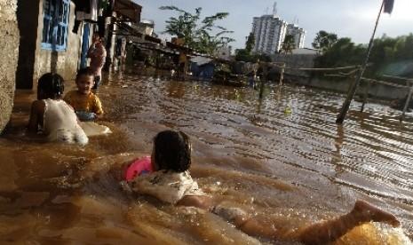 bencana-banjir-ilustrasi-_121125204554-184